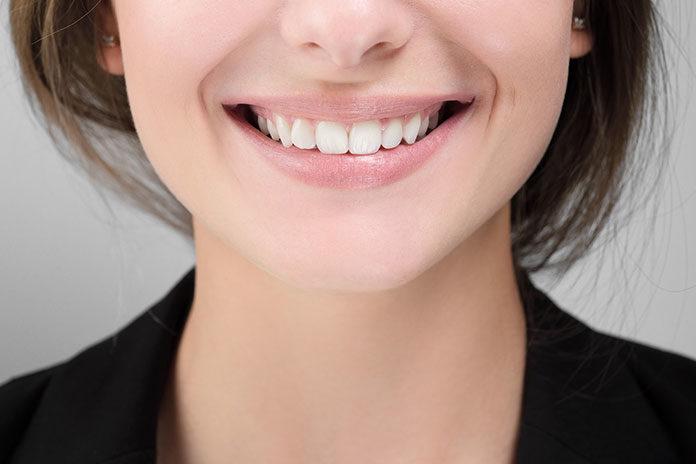 Jak szybko i skutecznie zwalczyć kamień na zębach?