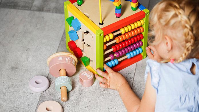 Jaka zabawka edukacyjna dla 2 i 3-latka